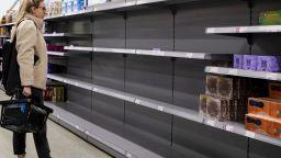 Празни рафтове във Великобритания: няма шофьори, няма доставки