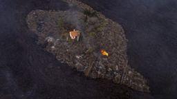 Стена от огнена лава: Ужасяващо зрелище на остров Ла Палма