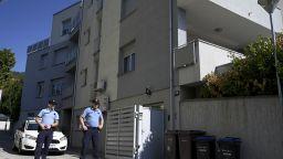Жестоко тройно убийство в Загреб: Баща удуши трите си деца - на 7 и 4 г. (видео)