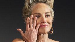 """Шарън Стоун се просълзи в Цюрих: взе наградата """"Златна икона"""" на кинофестивала (снимки)"""