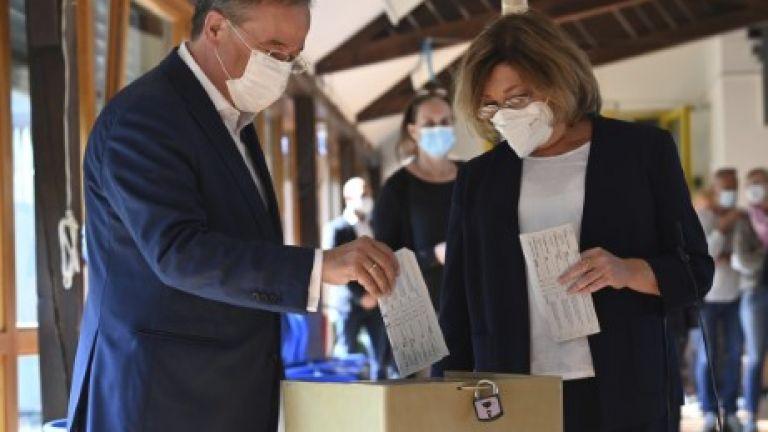 Кандидатът за канцлер на германските консерватори Армин Лашет беше осмян
