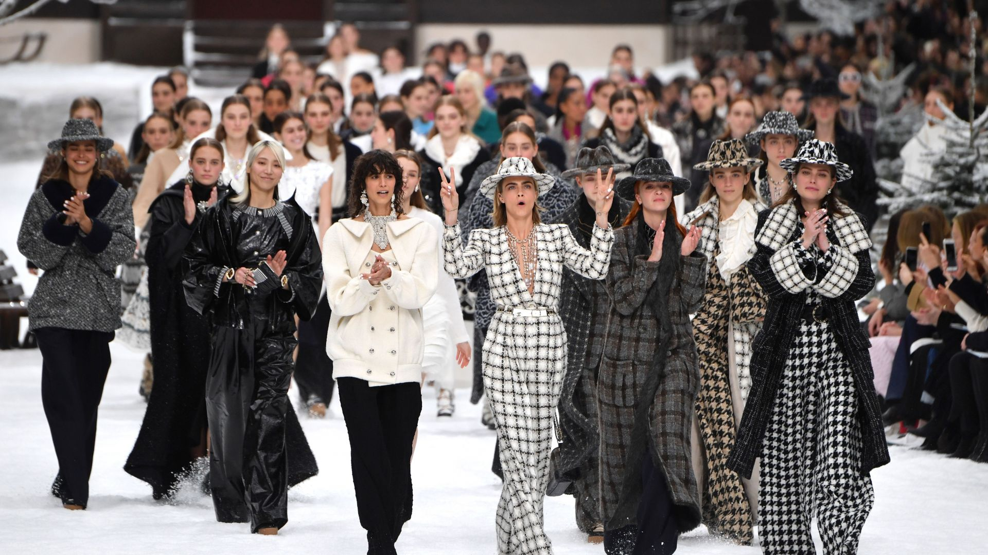 """""""Yves Saint Laurent"""" се връща на Седмицата на модата в Париж"""