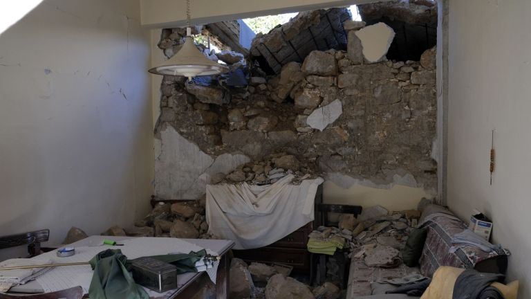 Извънредно положение беше обявено на остров Крит, където тази сутрин