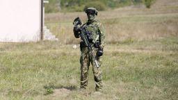 Високо напрежение: НАТО увеличава патрулите до границата на Косово със Сърбия (видео)