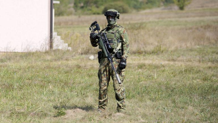 Военните части на НАТО засилиха патрулите си в близост до
