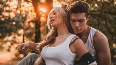 НЛО, пришълци и спираща дъха любовна история в новия клип на Дара Екимова