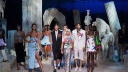 """Fendi и Versace се обединиха в проекта """"Fendace"""""""