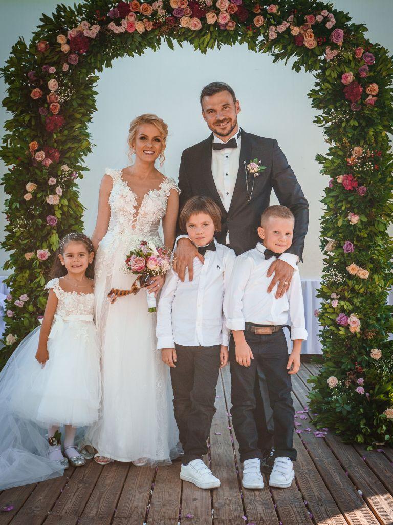 Ивайло и Станислава с децата си Никол, Филип и Дамян
