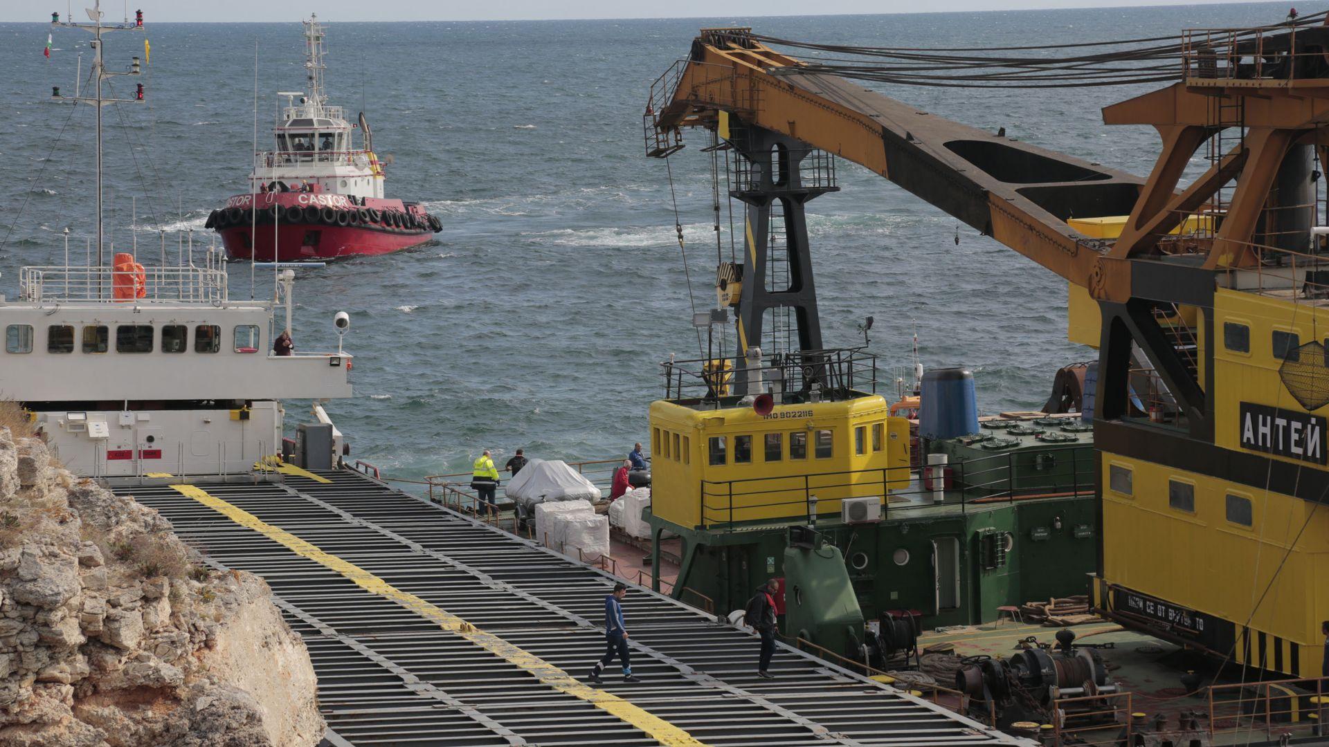 Апелативната прокуратура във Варна взе на специален надзор делото за заседналия кораб