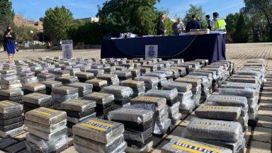 Разбиха най-голямата мрежа за трафик на кокаин в Европа (видео)
