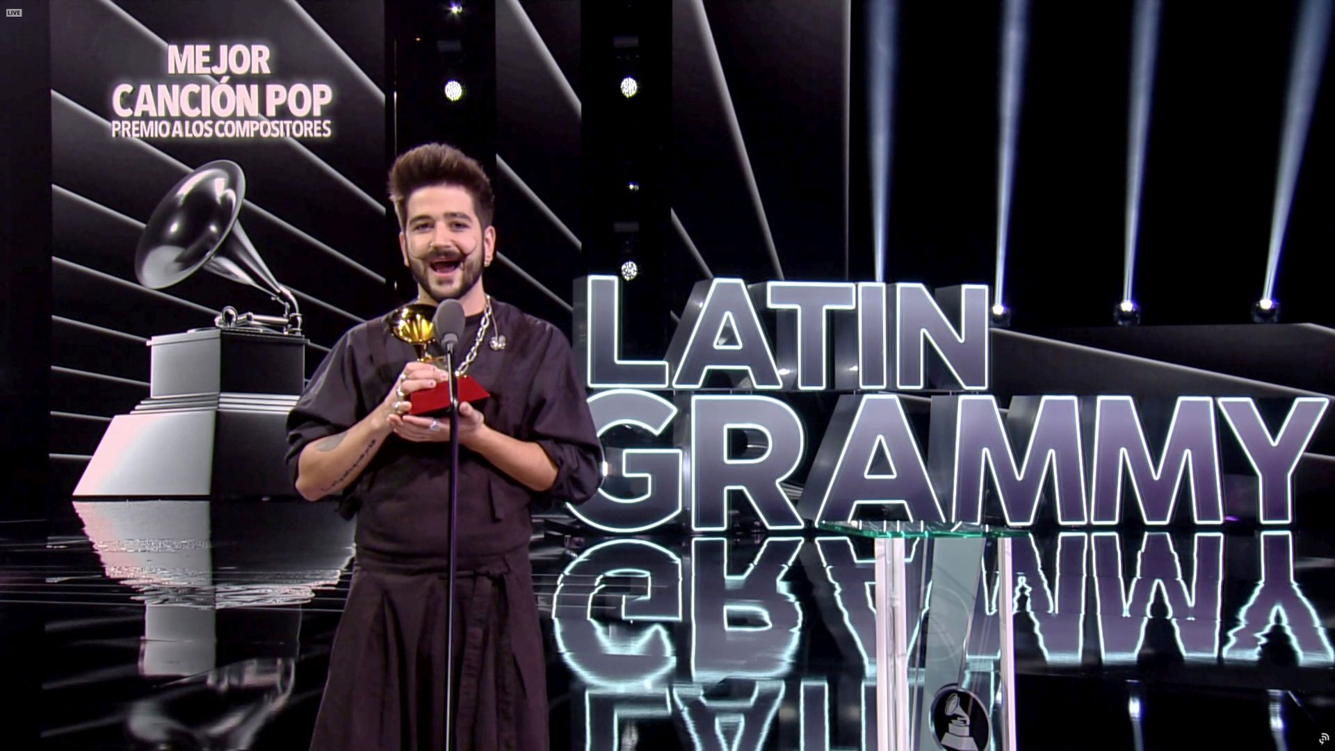 """Камило с 10 номинации """"Грами"""" за латино музика"""
