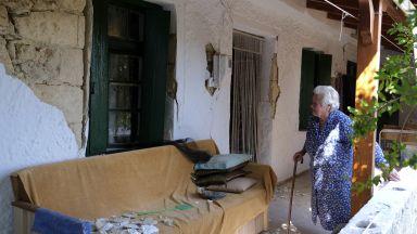 Продължават вторичните трусове на Крит, хората прекараха нощта на открито (видео)