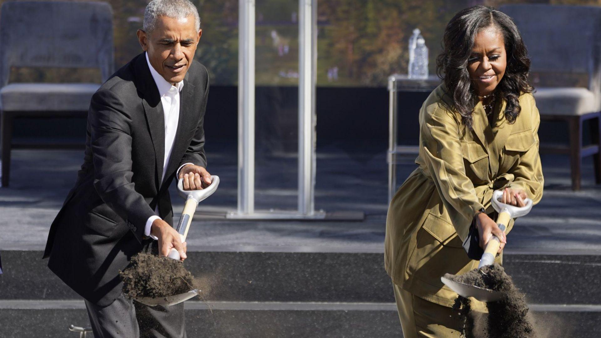 Обама направи първа копка на своя президентски център в Чикаго (снимки, видео)