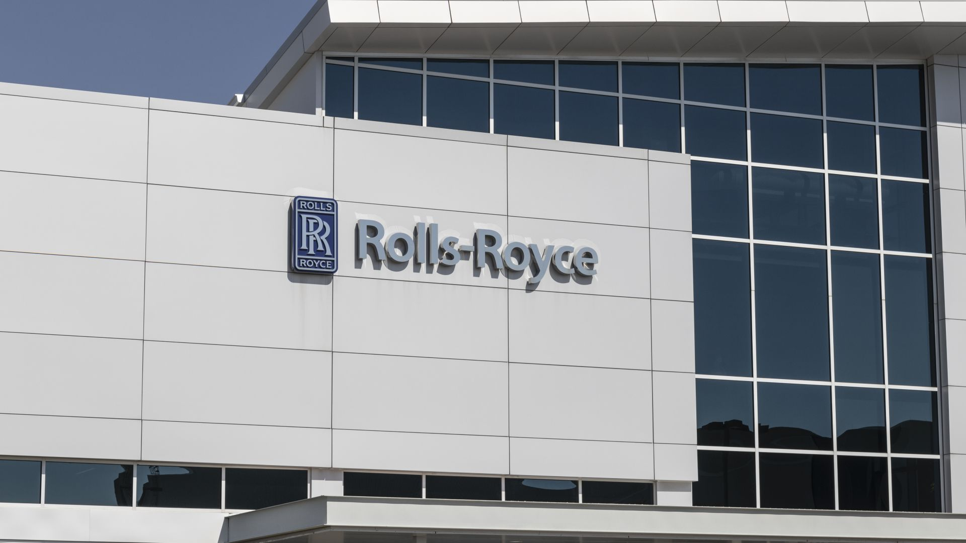 Ролс-Ройс ще произвежда само електрически коли до 2030 г.