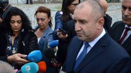 Румен Радев отговори на Лозан Панов: Аз съм човек на дълга