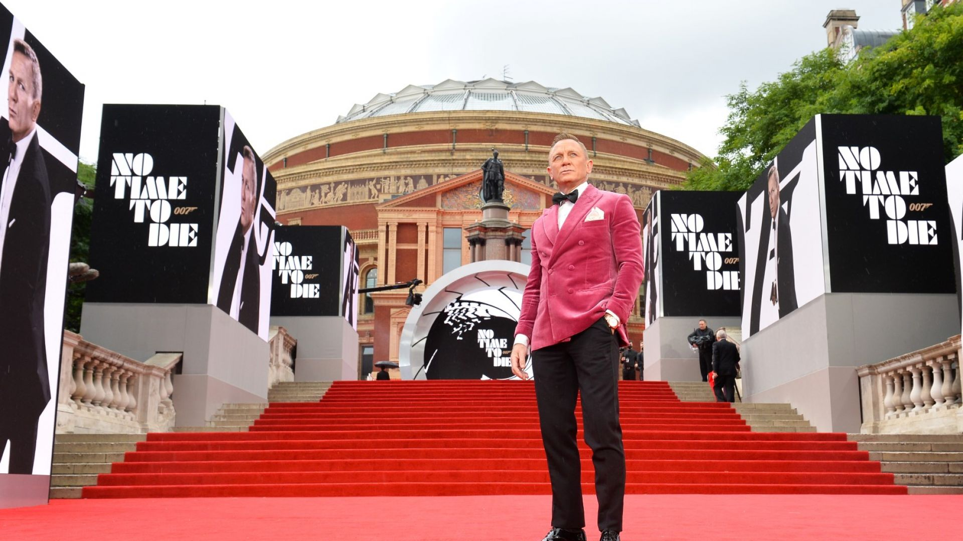 Даниел Крейг ще получи звезда на Алеята на славата в Холивуд