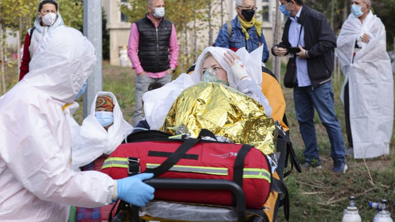 Девет души са загинали при пожар в COVID - болница в Констанца