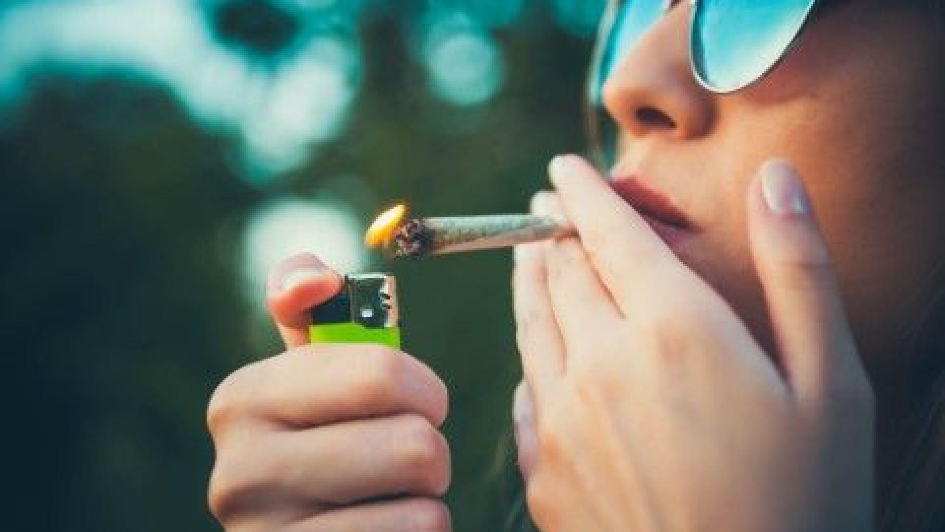 Цигарата е малък химически реактор. Как да се намали вредата от пушенето