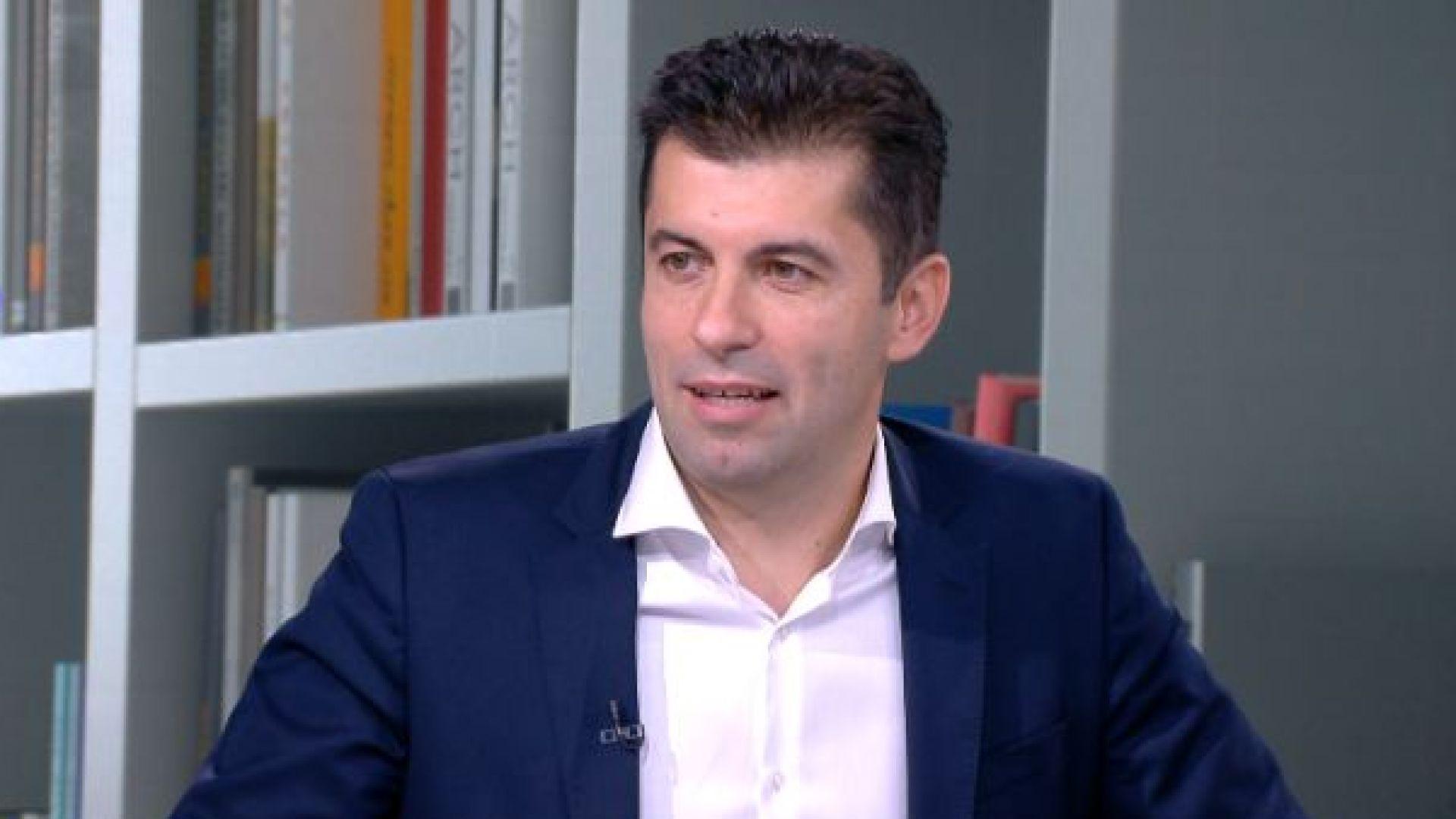 Кирил Петков е представил в КС документа, удостоверяващ, че не е канадски гражданин