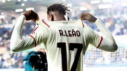 Милан триумфира в дерби с пет гола, но остава зад перфектния Наполи