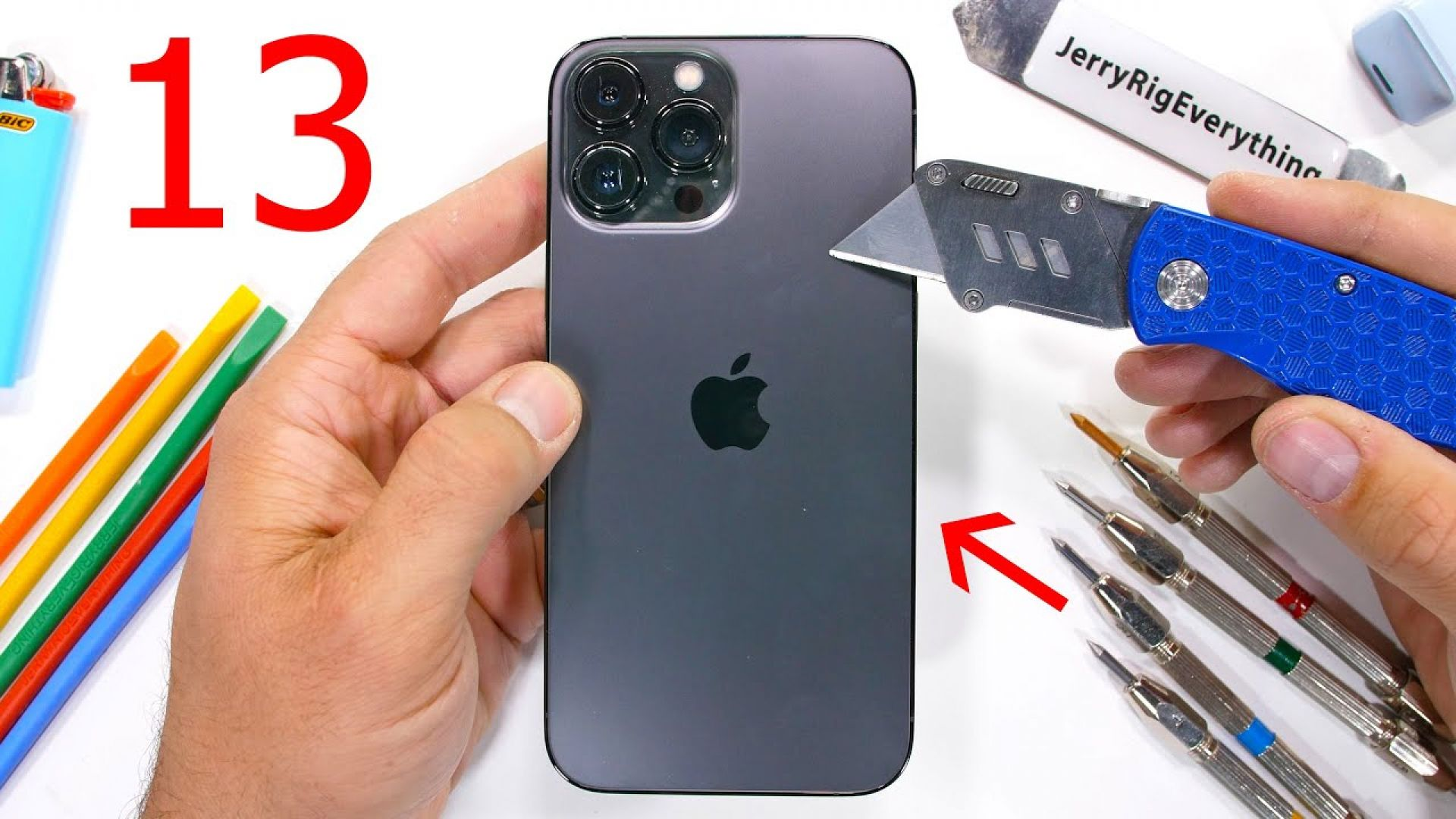 Колко здрав е новият iPhone 13 (видео)