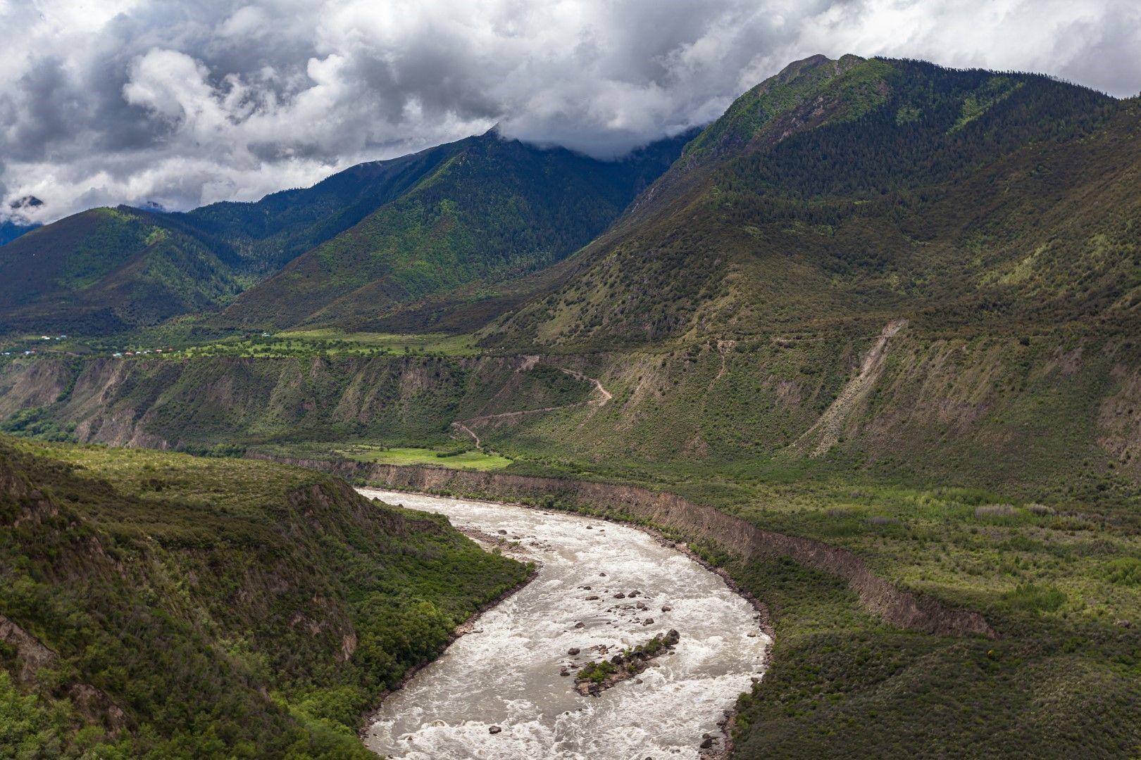 Каньонът Ярлун Цанпо в Тибет