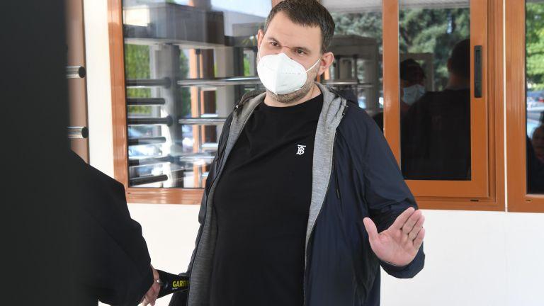 Делян Пеевски се яви на разпит в ДАНС (снимки/видео)