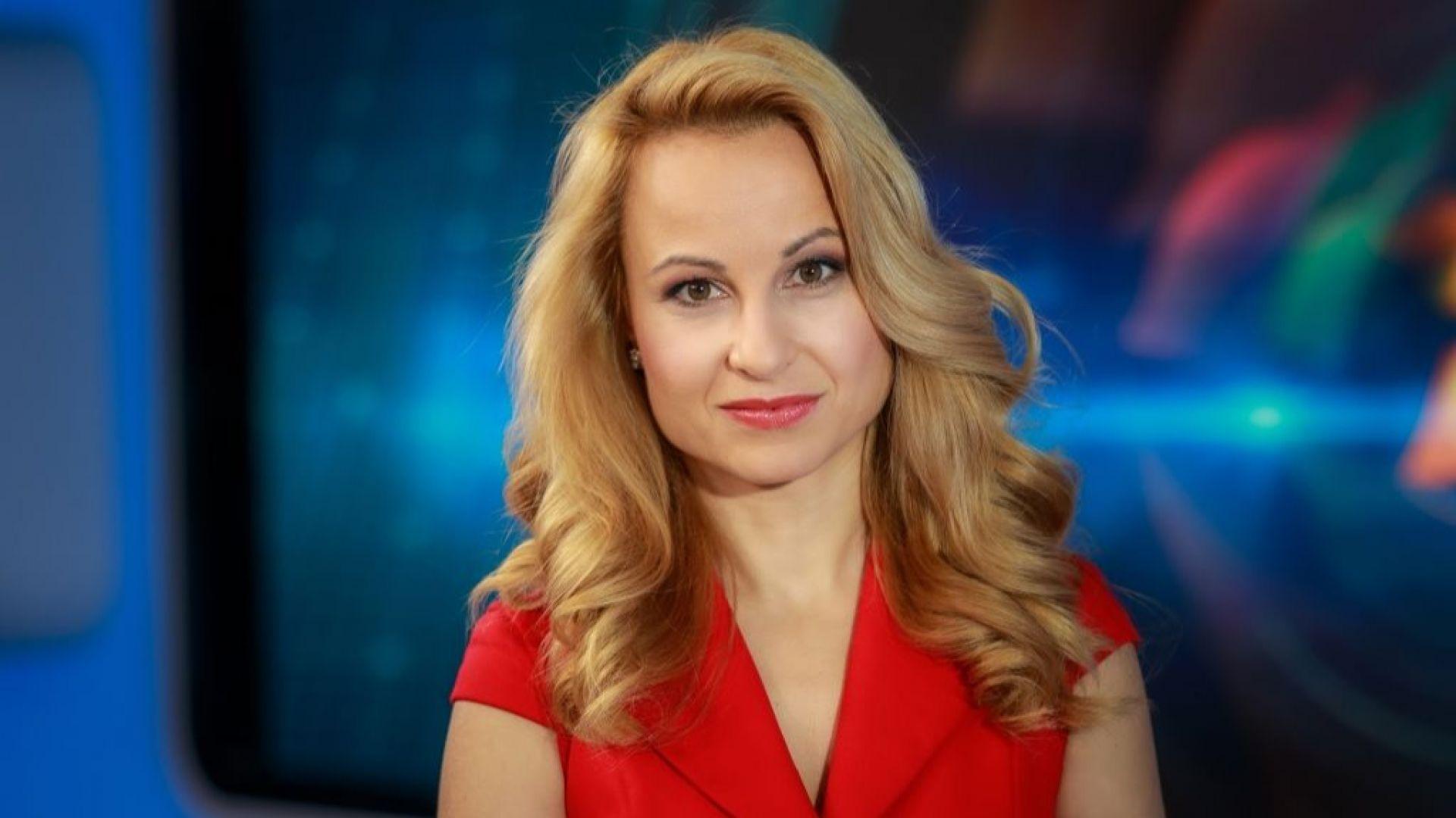Мария Цънцарова пропуска свой рожден ден и предложение за брак, за да снима репортаж