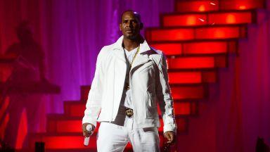 YouTube премахна официалните канали на R. Kelly от платформата си