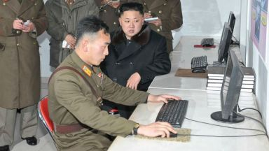 Facebook, Twitter и YouTube - само за разузнаването и децата на партийния елит в Северна Корея