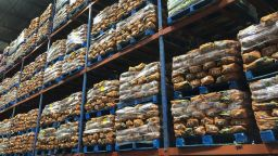 Пазарът на храни на едро се укротява след 11 седмици на поскъпване