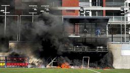 Стадион избухна в пламъци само ден преди гостуването на Англия