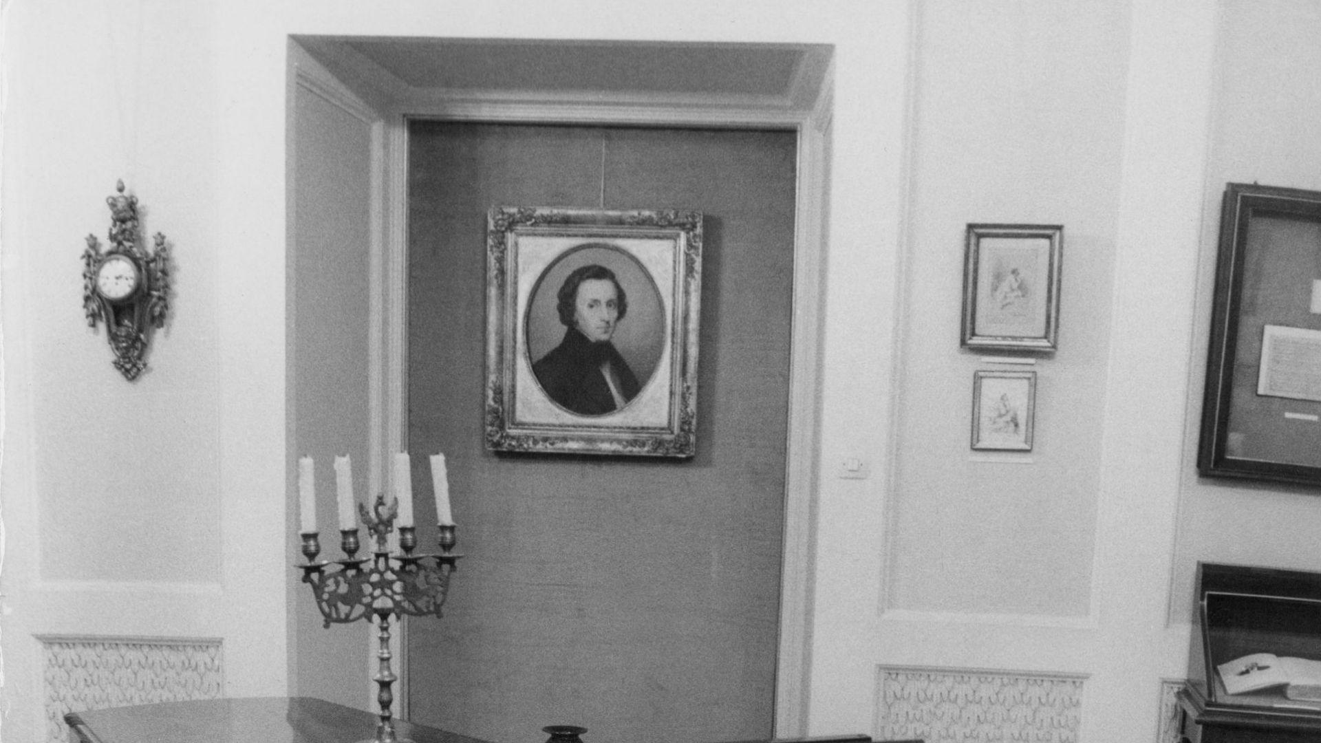 От вехтошарите до банковия сейф: Откриха 200-годишен портрет на Шопен