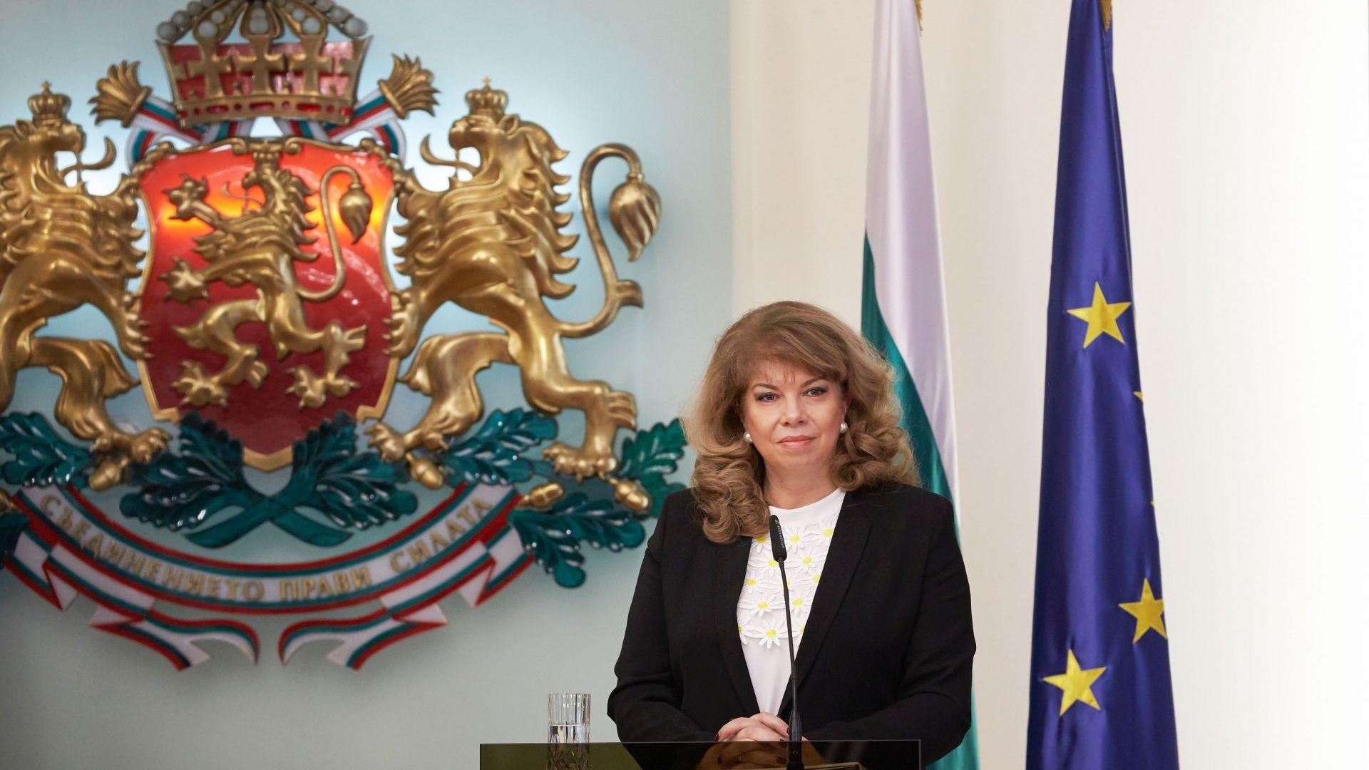Вицепрезидентът Йотова пред Dir.bg: С президента не се изкушихме от съглашателства