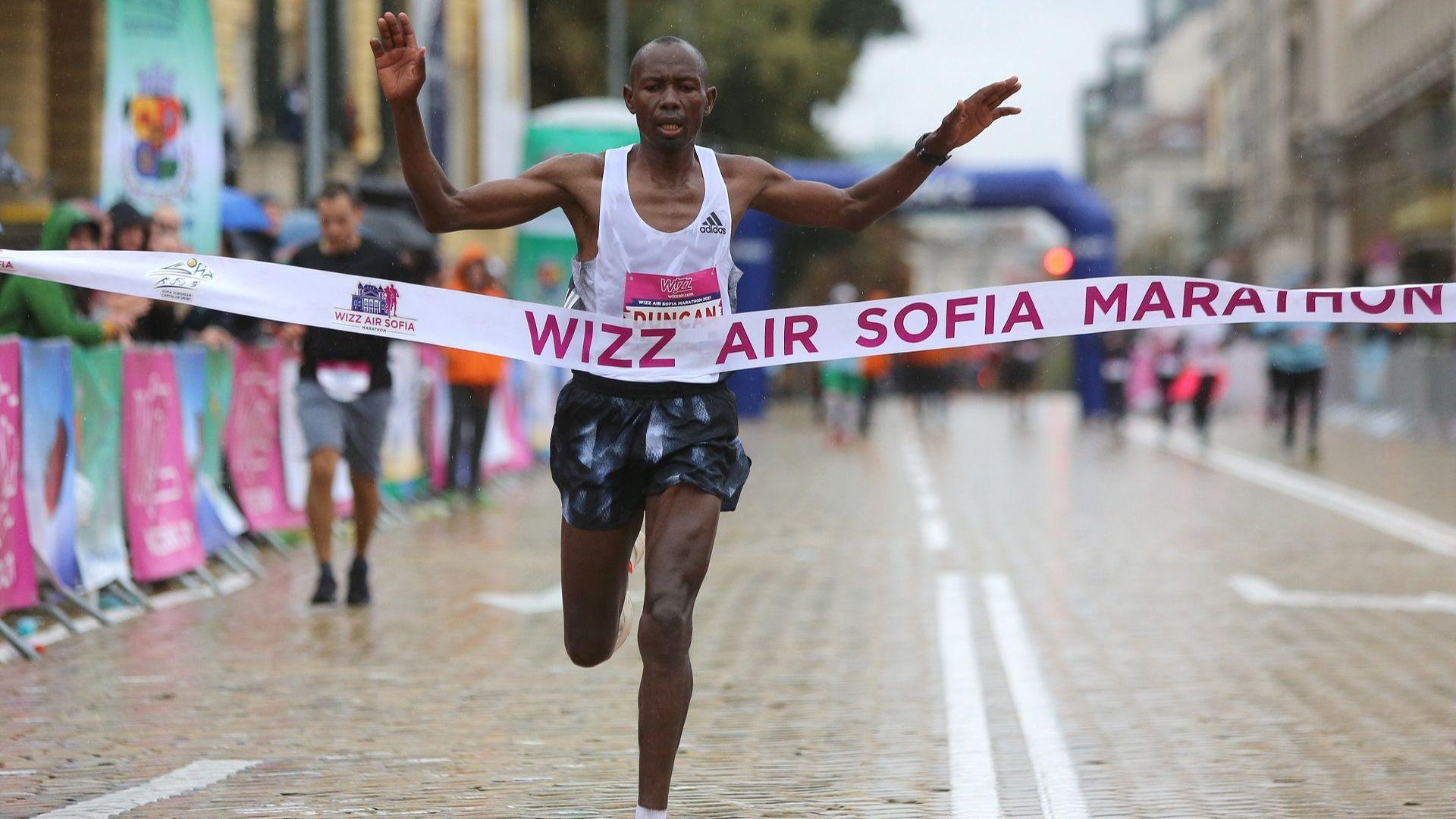 Кениец и туркиня са големите победители в Софийския маратон