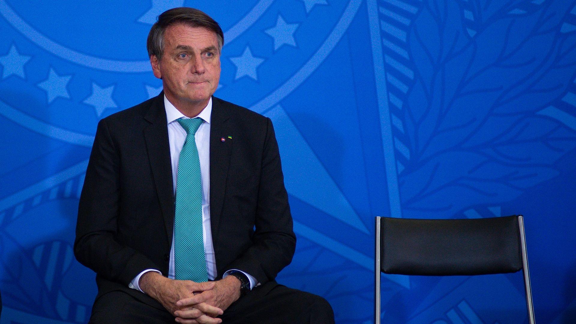 Президентът на Бразилия не бе пуснат на мач, защото не е ваксиниран