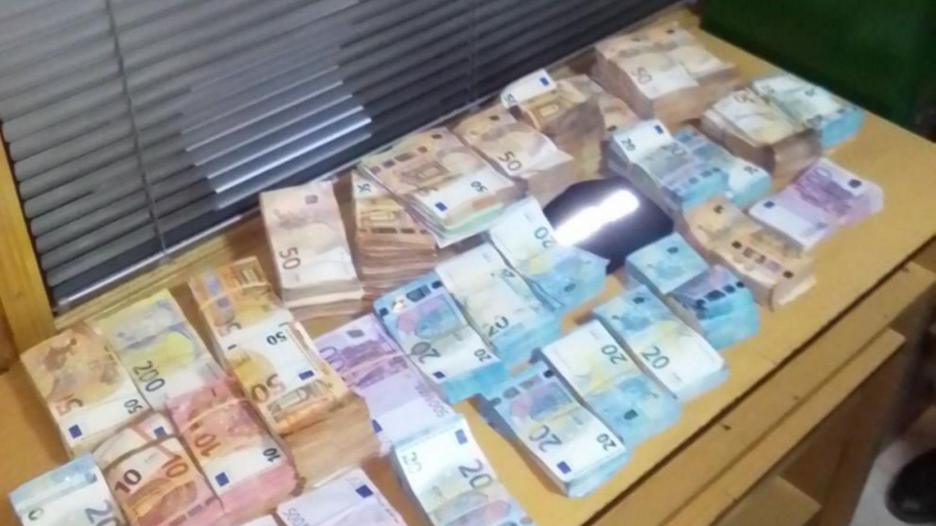 Над 500 хил. евро откриха митничари от Русе (снимки)