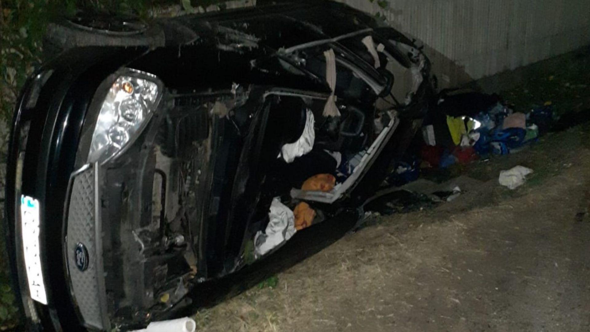 Двама българи загинаха, 3-ма са ранени след челен удар в ТИР със сирене в Румъния