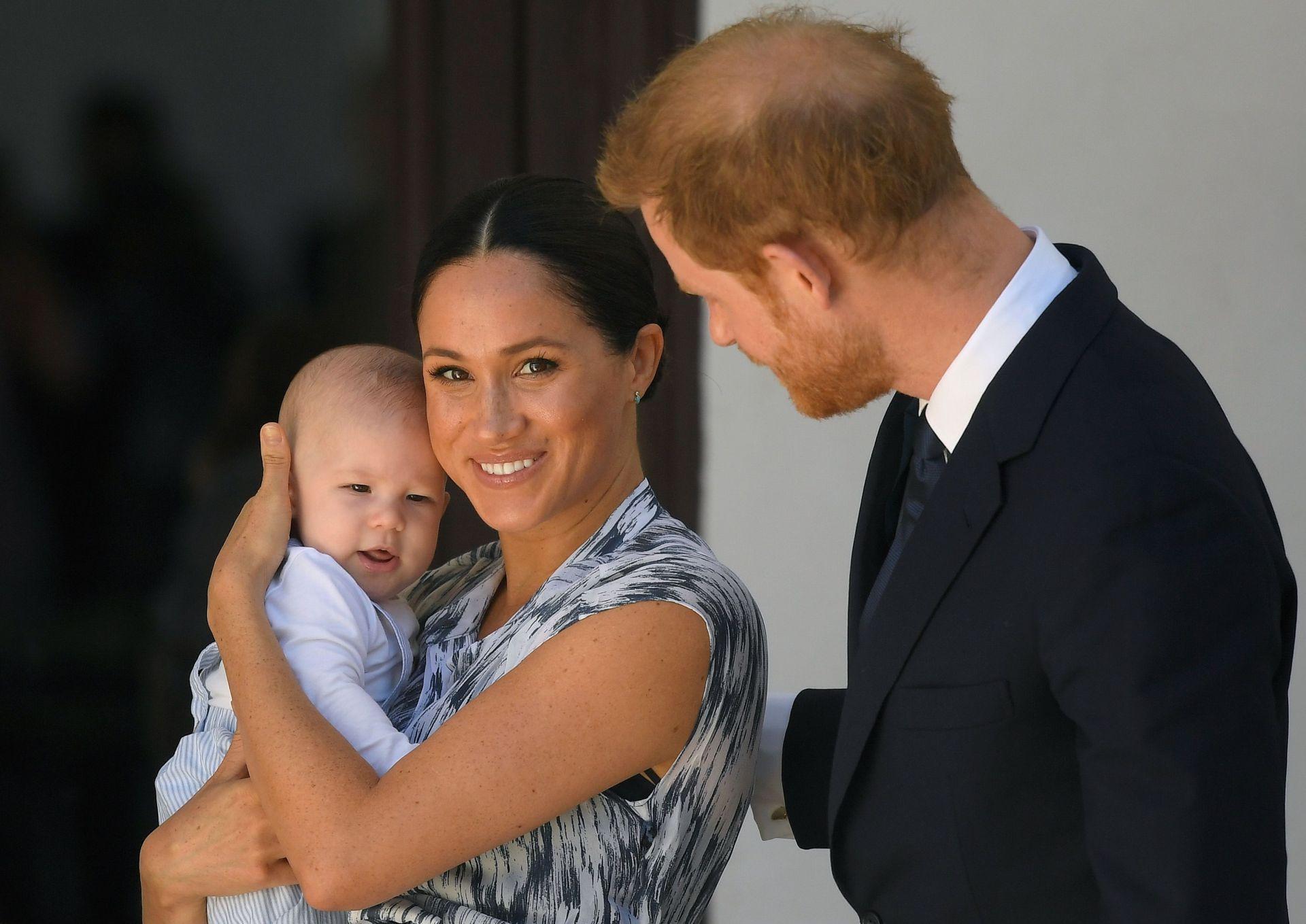 Херцозите на Съсекс със сина им Арчи в Кейптаун през 2019 г.
