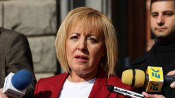 Мая Манолова праща заповедта за зеления сертификат на съд