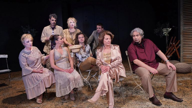"""Премиера на """"Пиано в тревата"""" от Франсоаз Саган в Народния театър"""