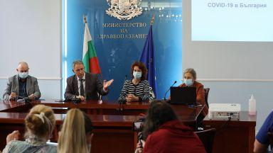 Стойчо Кацаров: Ваксинацията свали с 1/3 смъртността спрямо предишните вълни