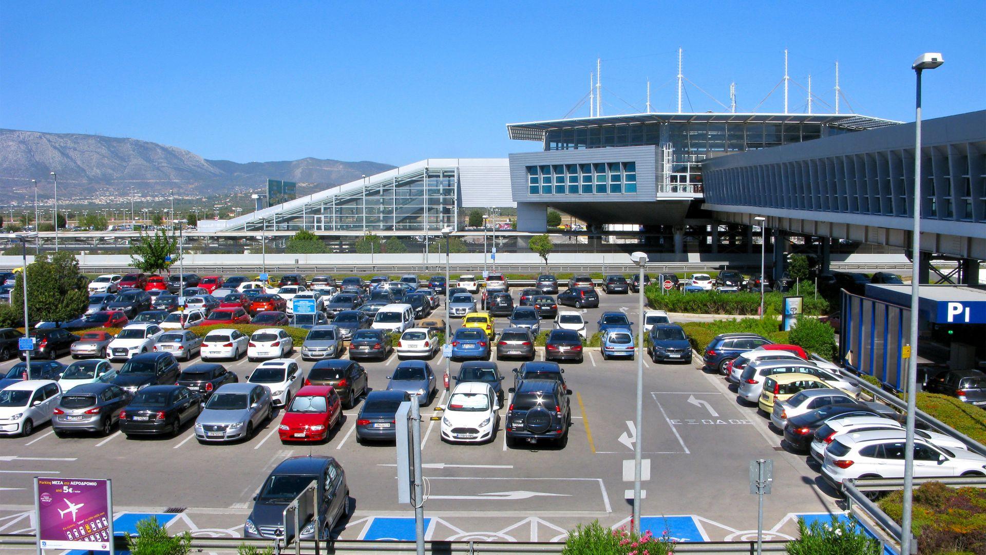 Българин опита да се самоубие на международното летище в Атина