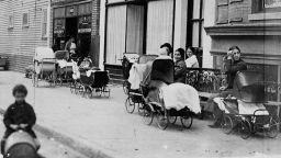 """Смърт след 18 бременности """"роди"""" първата клиника за семейно планиране преди 105 г."""