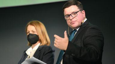 Посланикът на Великобритания: На Срещата на върха трябва да изпратим въглищата в историята