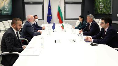 Стефан Янев и Франс Тимерманс обсъдиха лично Зелената сделка и Плана за възстановяване