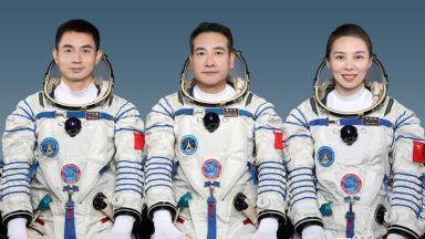 Китай изпраща първата жена астронавт до космическата си станция