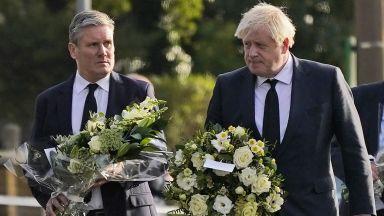 Британските власти: Убийството на депутата Дейвид Еймс е терористичен акт (снимки)