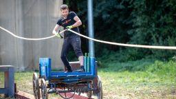 """Емигрант от Лондон надви шофьор от Крушево във """"Фермата"""""""