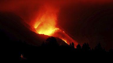Заради вулкана отново земетресение и отменени полети на остров Палма